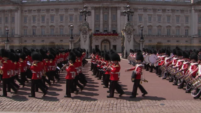 the 2018 trooping the colour, where a marching band passes buckingham palace. during the ceremony, the regiments of the british and commonwealth... - music or celebrities or fashion or film industry or film premiere or youth culture or novelty item or vacations stock videos & royalty-free footage