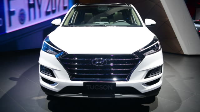 the 2019 hyundai motor corp tuscon seen during the 2018 new york international auto show in new york us on wednesday march 28 2018 the new york... - sports utility vehicle stock-videos und b-roll-filmmaterial