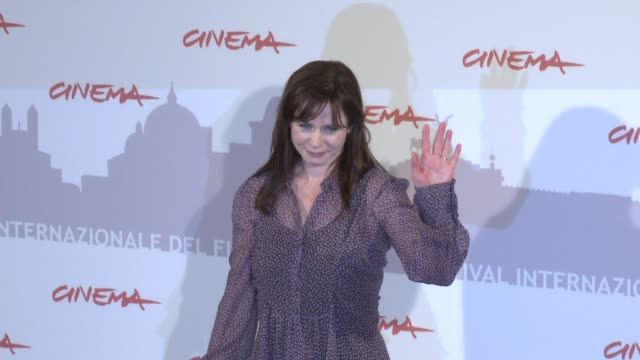 the 5th rome international film festival day 4 highlights event capsule reporter/chyron: on october 31, 2010 in rome, italy - rome film festival stock videos & royalty-free footage
