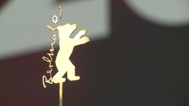 stockvideo's en b-roll-footage met the 66th berlinale europes first major film festival of the year starts with 23 international productions screening in the main showcase - internationaal filmfestival van berlijn 2016
