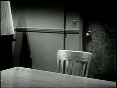 the 6th chair - 4 of 17 - この撮影のクリップをもっと見る 2260点の映像素材/bロール