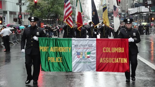 the 73rd annual columbus day parade in new york city via 5th avenue in manhattan - italienische kultur stock-videos und b-roll-filmmaterial