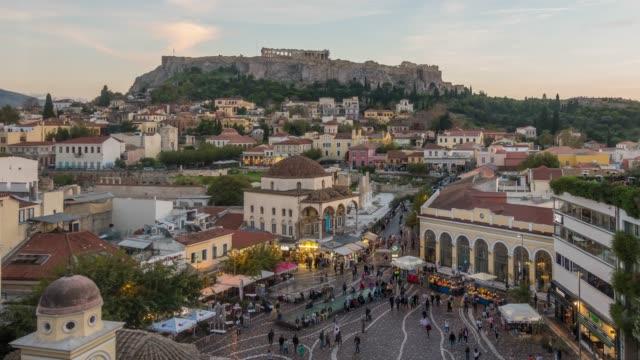 die akropolis von athen, mit dem parthenon-tempel - athens greece stock-videos und b-roll-filmmaterial