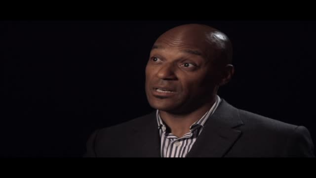 stockvideo's en b-roll-footage met the actor colin salmon talks to hibrow about his favourite shakespeare play richard iii - literatuur