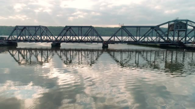 the aerial view of the spuyten duyvil bridge over the hudson river - elevator point of view stock videos and b-roll footage