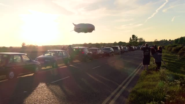 The Airlander 10 prepares to touch down at Cardington Airfield The Hybrid Air Vehicles HAV 304 / Airlander 10 the world's largest flying vehicle...