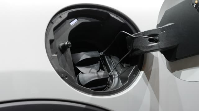 the allelectric mini electric stands on display at the 2019 iaa frankfurt auto show on september 11 2019 in frankfurt am main germany the iaa will be... - 自動車ブランド mini点の映像素材/bロール