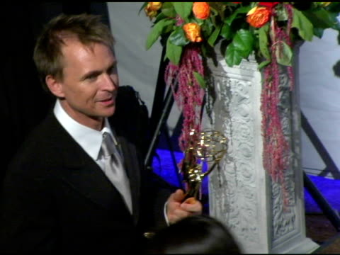 vídeos y material grabado en eventos de stock de 'the amazing race', winner of outstanding reality/competition program at the 2004 primetime emmy awards press room at the shrine auditorium in los... - premio emmy anual primetime