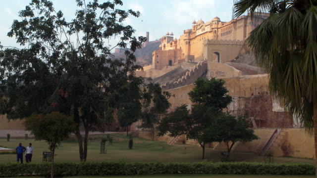 the amber fort from a distance - fortress stock videos & royalty-free footage