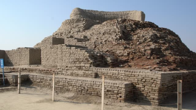 the ancient stupa - one of the most preserved parts of mohenjo daro in pakistan - archaeology stock videos & royalty-free footage