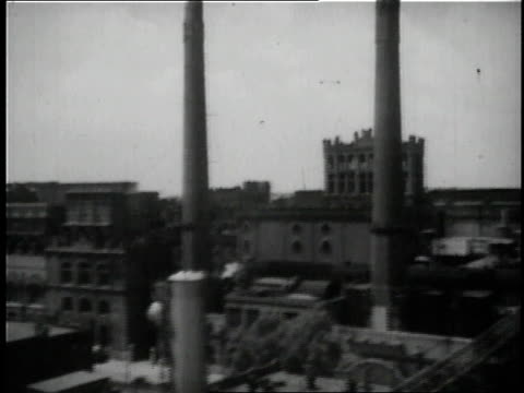 stockvideo's en b-roll-footage met 1936 b/w the anheuser busch brewery complex in st. louis / missouri, united states - st. louis