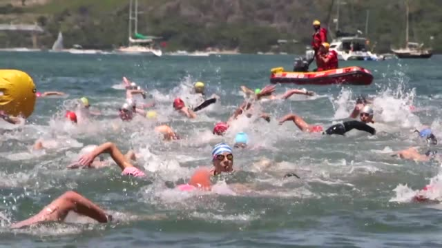 vídeos y material grabado en eventos de stock de the annual knysna splash festival takes place in south africa with 20 year old stephano roodt from stellenbosch in cape town winning the mile long... - stellenbosch