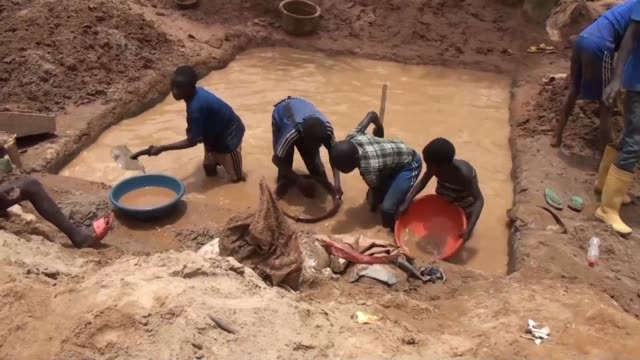 The arrival of Chinese miners in the gold mines of Betare Oya in Cameroon is creating disputes with the indigenous people who feel their land is...