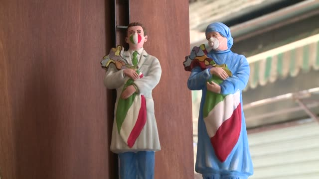 vídeos de stock, filmes e b-roll de the artisans of naples' via san gregorio armeno, famed for their satirical statuettes, are closed this week in protest at the lack of italian... - sátira