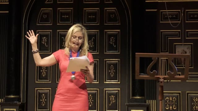 the author of how to train your dragon cressida cowell is presented as the new waterstones children's laureate at shakespeare's globe theatre the... - how to train your dragon stock videos & royalty-free footage