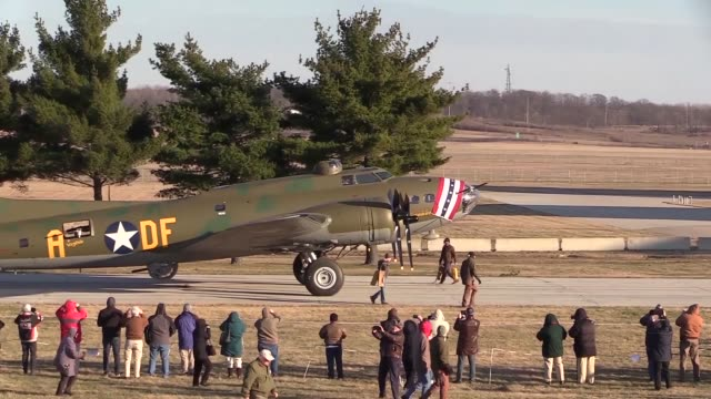 the b17f memphis belle moves along the tow path to the wwii gallery at the national museum of the united states air force on march 14 2018 - boeing b 17 bildbanksvideor och videomaterial från bakom kulisserna