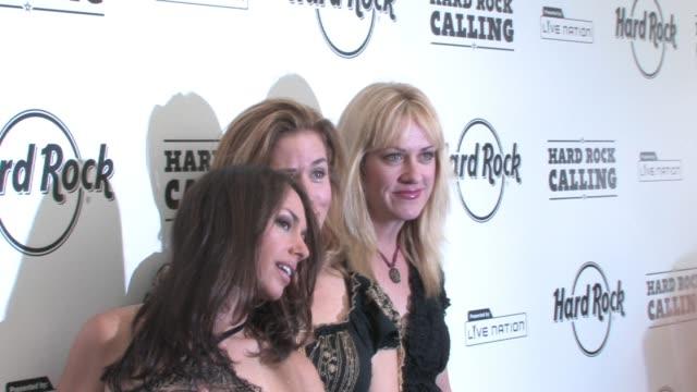 the bangles at the hard rock calling at london - モダンロック点の映像素材/bロール