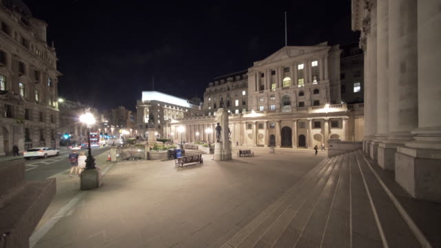 The Bank of England at night.