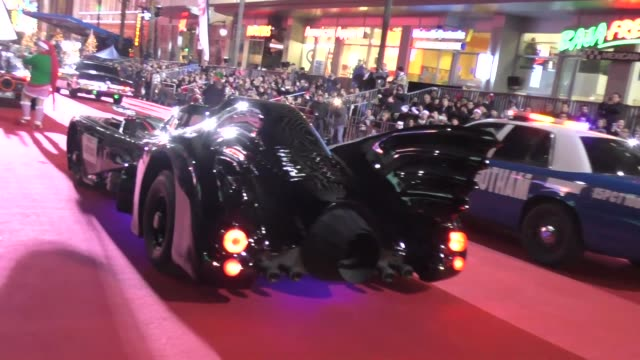 the batmobile on hollywood blvd at the 85th annual hollywood christmas parade in hollywood in celebrity sightings in los angeles - sfilata di natale di hollywood video stock e b–roll