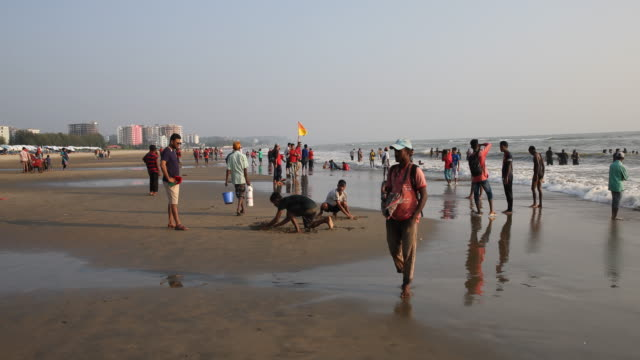 the beach of cox's bazar at the bay of bengal in bangladesh - bangladeshi culture stock videos & royalty-free footage