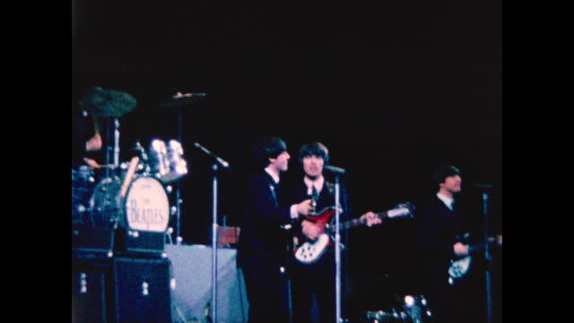 vídeos de stock e filmes b-roll de the beatles performing in concert at the forum theatre montreal - the beatles