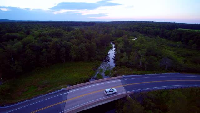 Der schöne Fluss in der Nähe von langen Teich Road, Poconos, Pennsylvania, USA