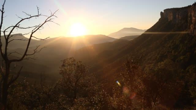 vídeos de stock, filmes e b-roll de the beautiful valley landscape during the sunrise. - tremido