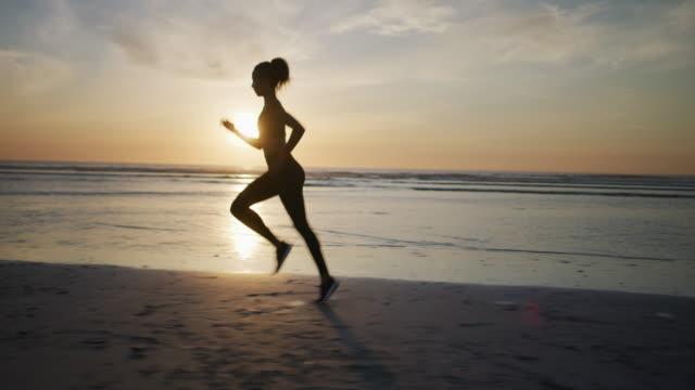 Die beste Zeit zum Laufen ist bei Sonnenuntergang