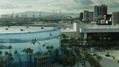 the beverly o'neill theater and long beach convention center - aerial - long beach california video stock e b–roll