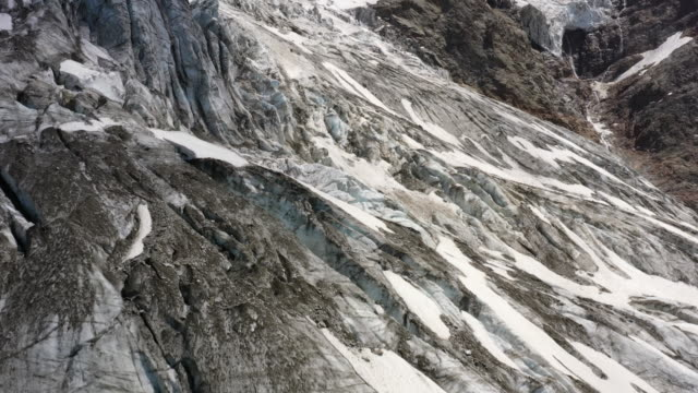 the bionnassay glacier during summer - rhone alpes stock videos & royalty-free footage