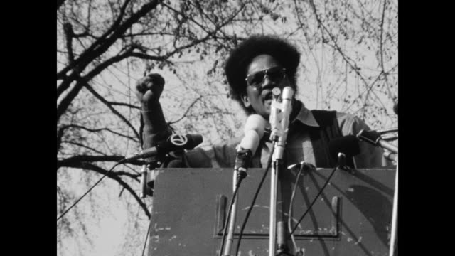 vídeos de stock, filmes e b-roll de the black panthers called on supporters to come to new haven to protest the trials bobby seale and ericka huggins on mayday 1970. - universidade de yale
