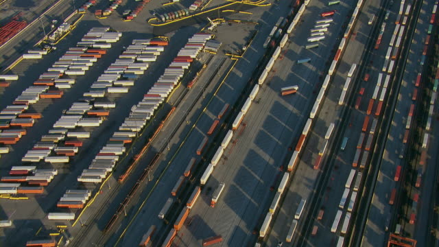 the bnsf rail yard near los angeles - shunting yard stock videos and b-roll footage
