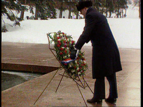 The Boris Yeltsin collection Tomb of Unknown Soldier EXT MS Three Kremlin guards goosestepping towards as group follow behind including John Major in...