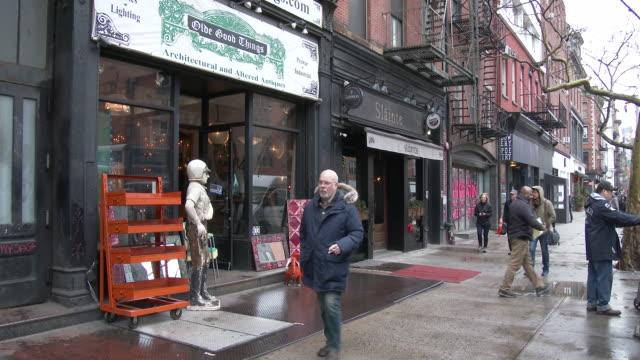 vídeos de stock, filmes e b-roll de the bowery, lower east side - manhattan, nyc - antiquário loja