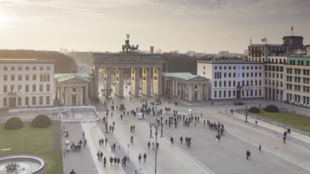 the brandenburg gate in central berlin, germany. - 18th century style stock videos & royalty-free footage