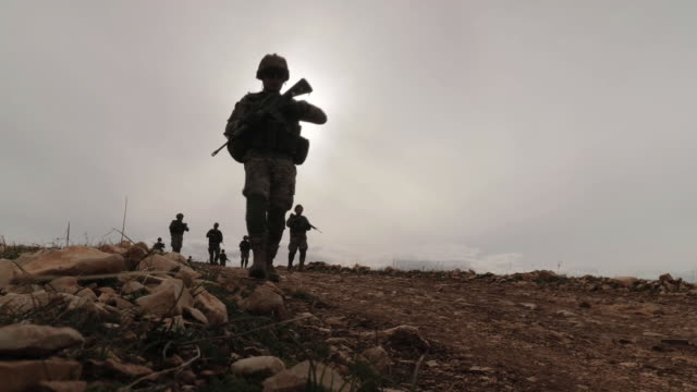 vidéos et rushes de the british government has funded the establishment of more than 70 watchtowers and patrol bases along lebanon's border with syria, in an effort to... - british military