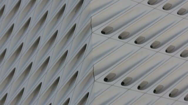 the broad museum. - ロサンゼルスカウンティ美術館点の映像素材/bロール