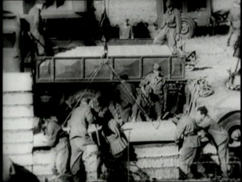 the building of the berlin wall / berlin germany - 1961 stock-videos und b-roll-filmmaterial