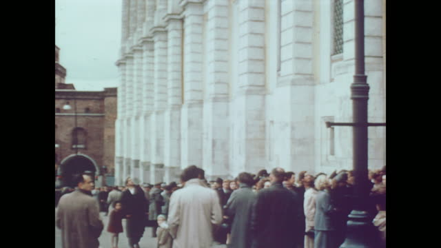1959 the buildings, tourists and guards of the kremlin - moscow russia stock videos & royalty-free footage