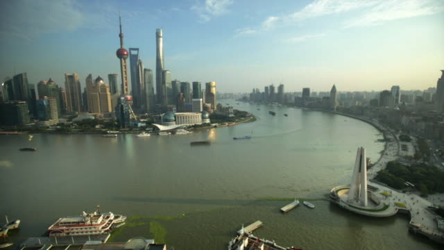 ws the bund and pudong skyline along the huang pu river, shanghai - the bund stock videos & royalty-free footage