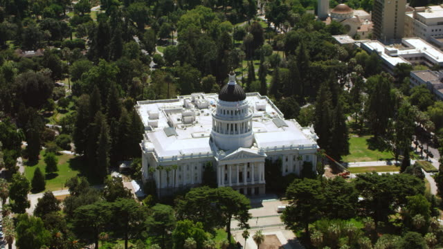 aerial the california state capitol in sacramento, ca - government building stock videos & royalty-free footage