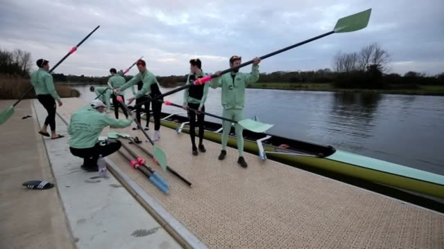 the cambridge rowing team train ahead of the boat race 2017 against oxford. - oxford england video stock e b–roll