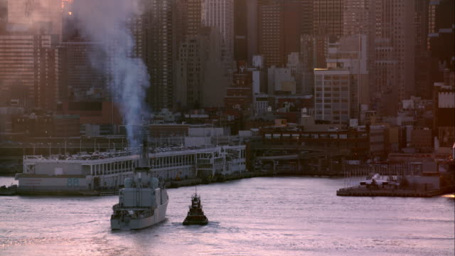 The Canadian Military ship the HMCS Athabaskan comes into NY Harbor to dock.