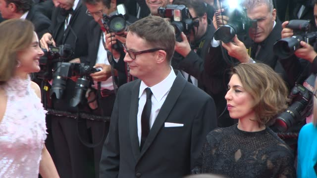 vidéos et rushes de the cannes festival jury at opening ceremony / 'grace of monaco' red carpet on may 14 2014 in cannes france - cannes