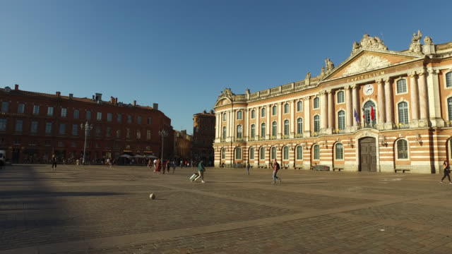vidéos et rushes de the capitol building, toulouse - mairie