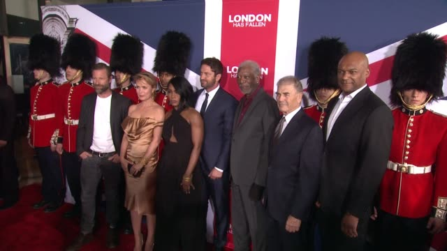 vídeos y material grabado en eventos de stock de the cast and crew of london has fallen at the london has fallen los angeles screening presented by gramercy pictures at arclight cinemas cinerama... - cinerama dome hollywood