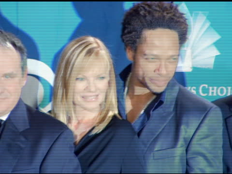 the cast of 'csi crime scene investigation' at the 2006 people's choice awards press room at the shrine auditorium in los angeles california on... - csi: crime scene investigation television show stock videos & royalty-free footage
