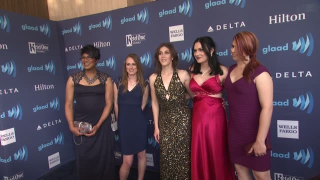 vídeos de stock e filmes b-roll de the cast of 'new girls on the block' at the 26th annual glaad media awards at the beverly hilton hotel on march 21 2015 in beverly hills california - the beverly hilton hotel