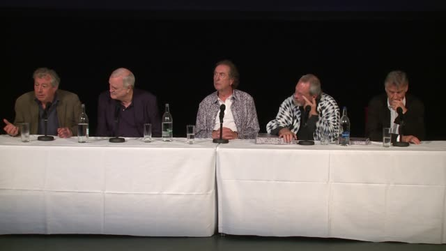 the cast on retirement and the future apart at the monty python press conference, on 30th june 2014 in london, england - モンティ・パイソン点の映像素材/bロール