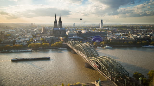 The Cathedral (Dom) and River Rhine, Cologne (Koln), North Rhine Westphalia, (Nordrhein-Westfalen), Germany, Europe